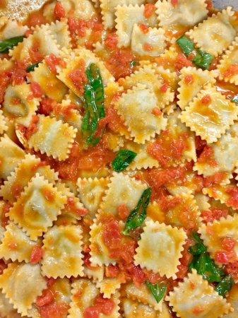 Villar San Costanzo, Italy: Ravioli al pomodoro, la nostra pasta fresca