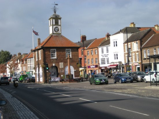Yarm, UK: Main Street and Moot Hall