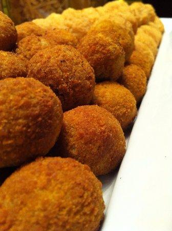 Vitorchiano, Italia: I supplì ne fanno di mille gusti... il mio preferito è quello cacio e pepe