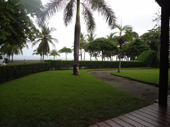 Agua Dulce Beach Resort: Beach view