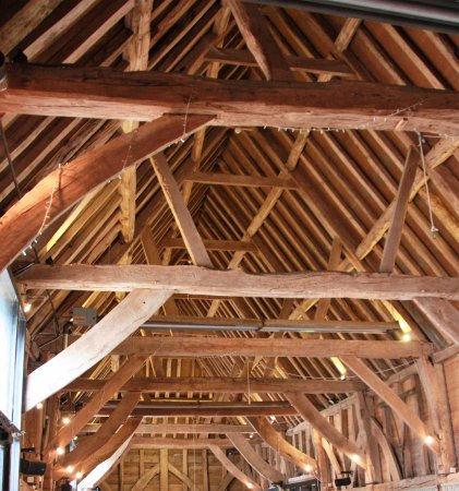 Arlington, UK: Trusses of the barn where you can hold your wedding