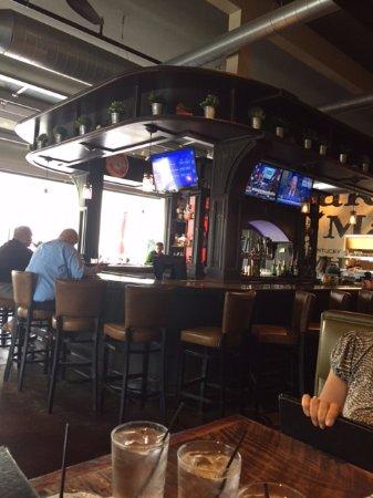 Trumbull, CT: Bar