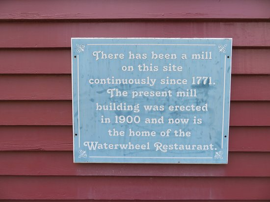 Warm Springs, VA: Waterwheel Restaurant Sign at the entrance to the restaurant
