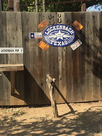 Luckenbach, TX : photo0.jpg