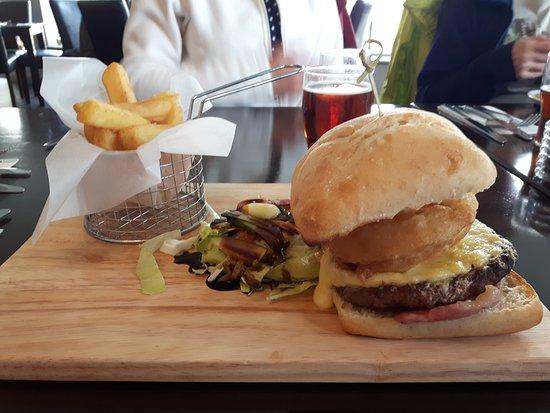 Bidford-on-Avon, UK: Frog Burger