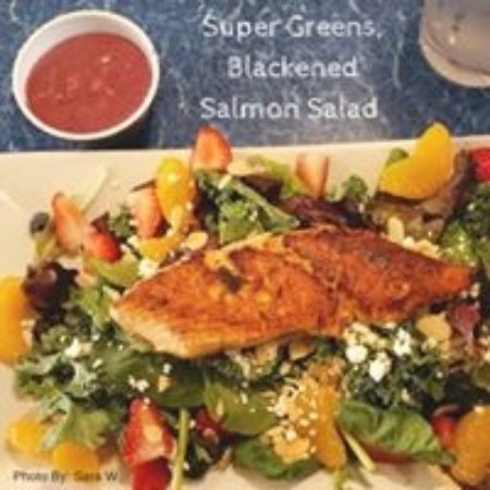 Juno Beach, FL: Super Green Salad with Blackened Salmon