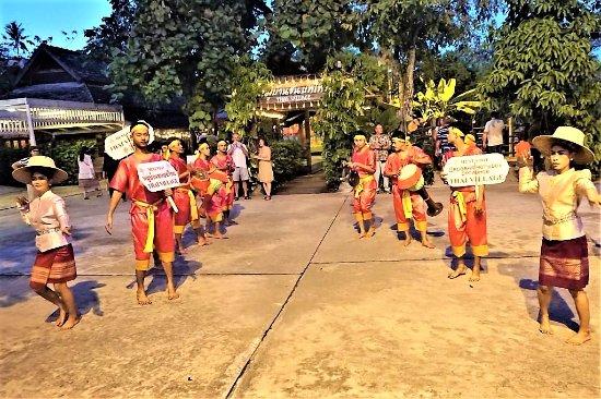 "Phuket (miasto), Tajlandia: Приглашение на экскурсию в ""тайскую деревню"" - 02"