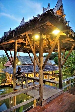 """Phuket (miasto), Tajlandia: В """"тайской деревне"""" - 02"""