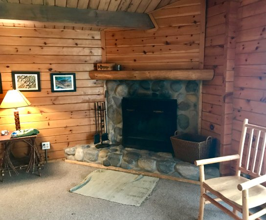 Northernair Lodge: Cabin 7 hearth