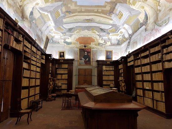 Pescia, Italy: La biblioteca capitolare