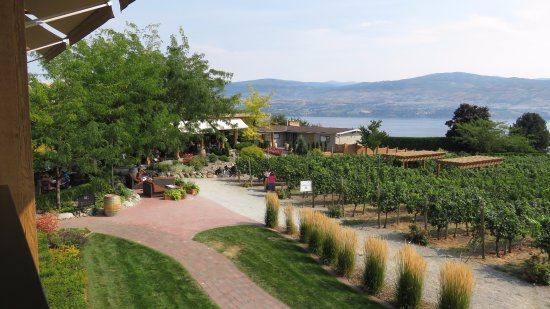 West Kelowna, Canada : View down towards the lake