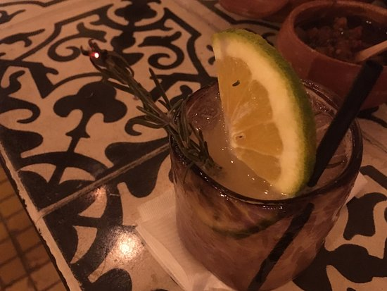 Apoala Mexican Cuisine: Great mixed drinks including those with Mezcal