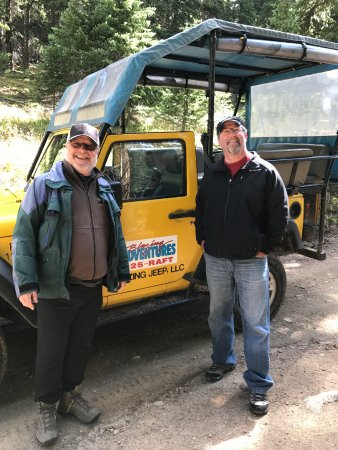 Snowmass Village, CO: John and my husband outside the jeep.