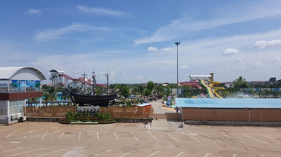 Вьентьян, Лаос: Overall View Of The Water Park @ ITECC