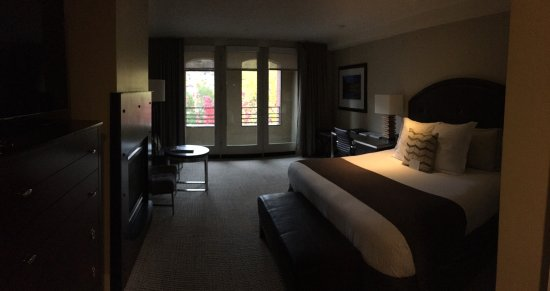 The Limelight Hotel: Large, Clean Room