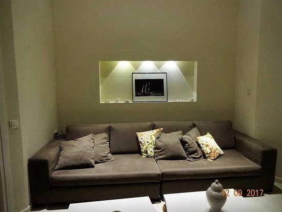5 Hermoupolis Concept Sites: common room