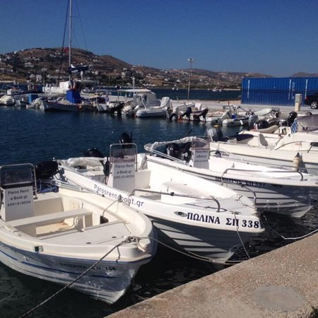 Parikia, Grecia: Rent a boat with or without a boating license