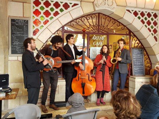 Bazas, Francja: Arthé café  Musique