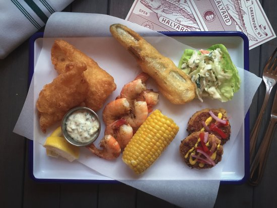 Greenport, NY: Fresh Selections for Lunch and Dinner Service at The Halyard