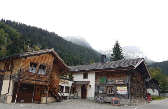 Ausserferrera, Suiza: Restaurant Edelweiss