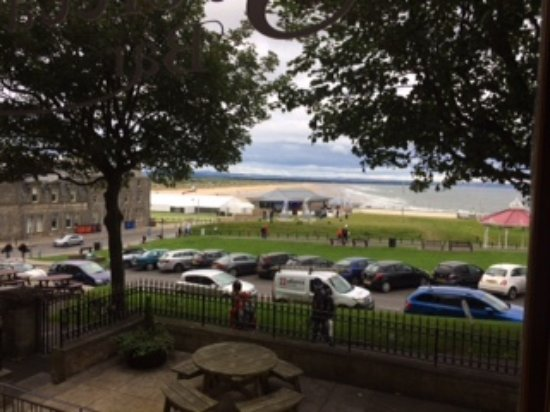 Best Western Scores Hotel: View from the restaurant towards West Sands and R&A Headquarters.