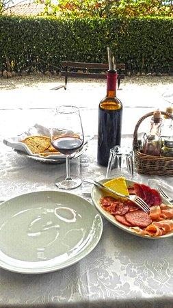 Campello sul Clitunno, İtalya: Misto salumi locali....una meraviglia !!