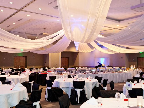 The Hotel at Kirkwood Center: Ballroom