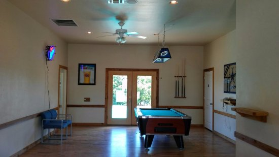 Boerne, TX: The Gameroom; play pool, darts, and have a soda!