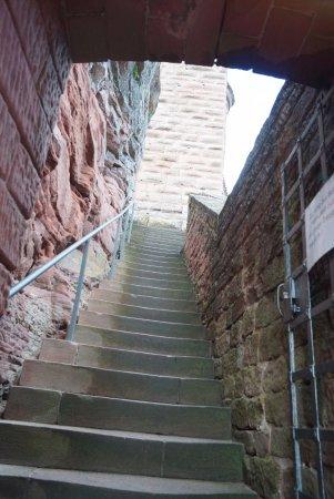 Annweiler am Trifels, Niemcy: Aufgang zur Burg