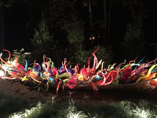 Bentonville, AR: This Chihuly will remain at Crystal Bridges - yea!!