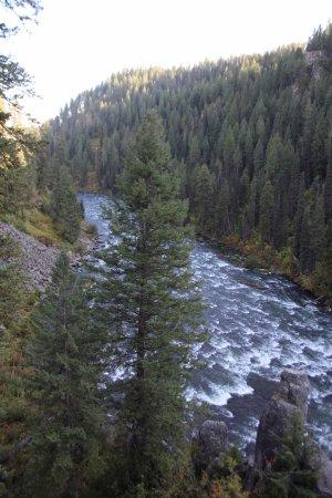 Ashton, ไอดาโฮ: River From Upper Falls