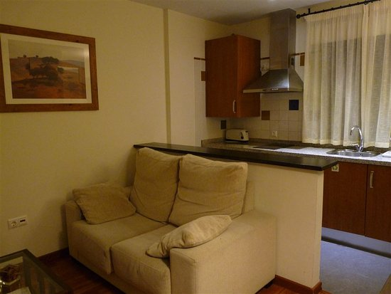 Sofa Und Kuche Picture Of Apartamentos Ardales Ardales Tripadvisor