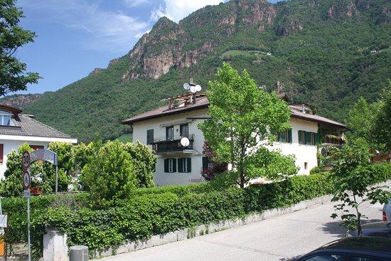 Terlano, Italië: Mitten im Grünen