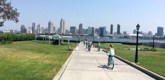 Coronado Bike Tour with San Diego View