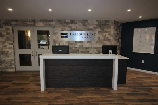 The Harbourfront Inn and Suites: Reception area renovated in 2017