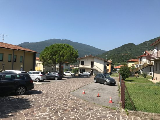 Tignale, Italy: Car Park