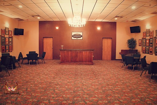 Enid, OK: Gaslight's Lobby - Available for Rental!