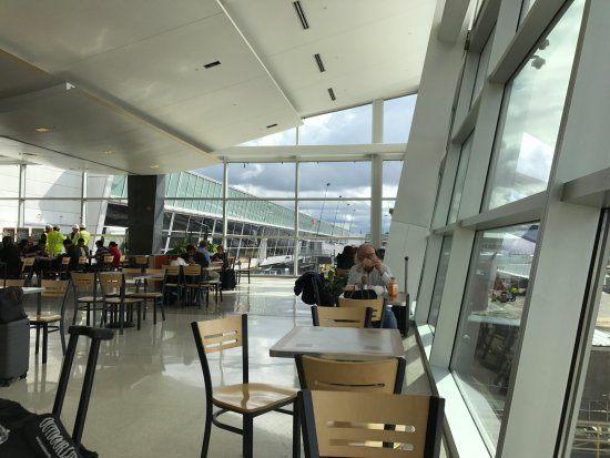Seatac Airport Tables Overlooking Airport Operations 9 19
