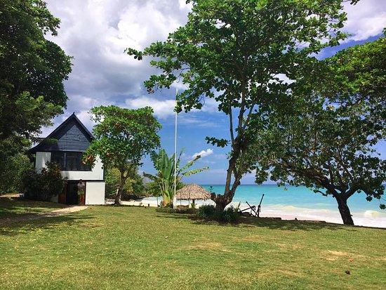 Prospect Plantation: Frankforts beach & school house