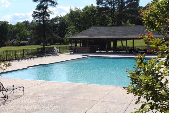 Columbus, MS: Pool