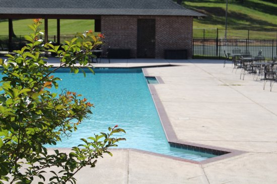 Columbus, MS: Pool