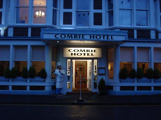 Comrie, UK: Cosy Hotel.