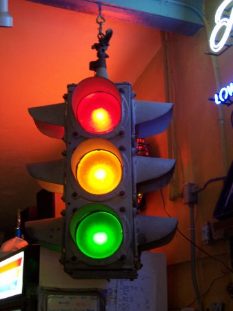 Micanopy, FL: The oldest traffic light in Florida