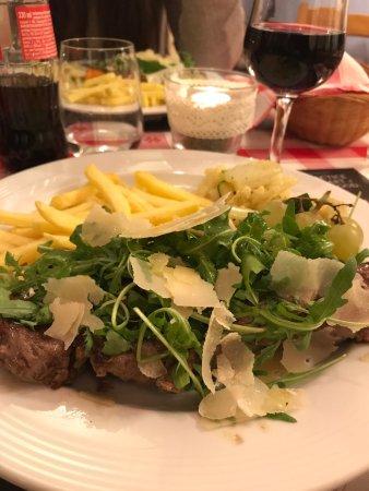 Ostermundigen, İsviçre: Posto piacevole e accogliente,buon cibo a poco prezzo visto il tenore di vita del luogo.Personal
