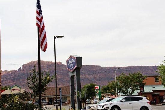 Hampton Inn Moab: View from front door