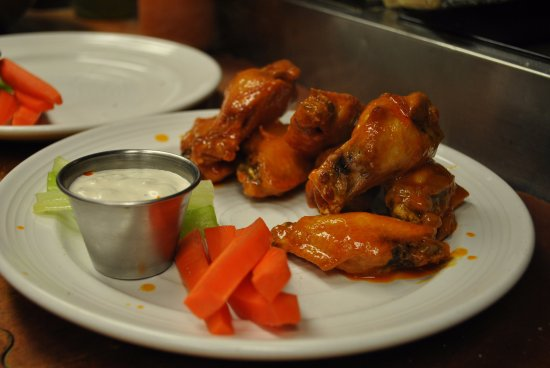 Blue Highway Pizzeria: Wings with Ranch or Gorgonzola Dressing