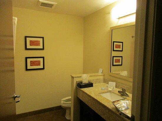Dothan, AL: modern bathroom