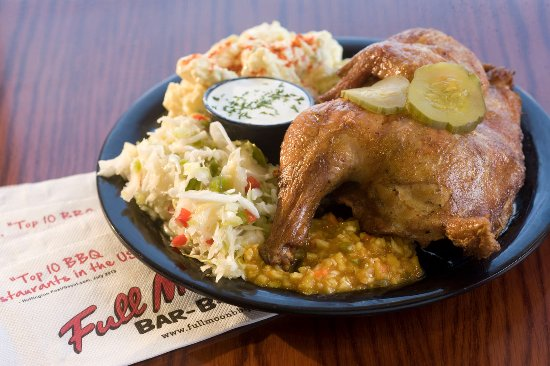 Hoover, Алабама: Bar-b-que chicken plate with tangy coleslaw and potato salad.