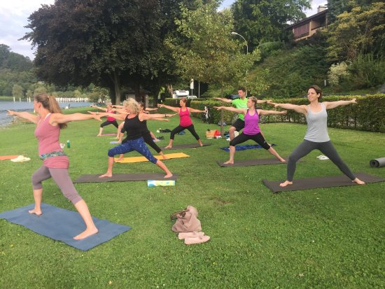 Weggis, Switzerland: Yoga by the Lake