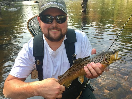 The Hungry Trout Resort: photo0.jpg